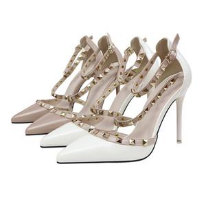 2019 moda jóias de luxo mulheres de designer contratado sexy de salto alto clube com boca rasa apontou rebite escavar sapatos femininos 458