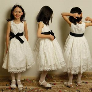 Long Flower Dress For Little Girl O-Neck First Communion Dresses Hand Made Flowers Birthday Gown Black Sash Prom Dress Cheap Pageant gown