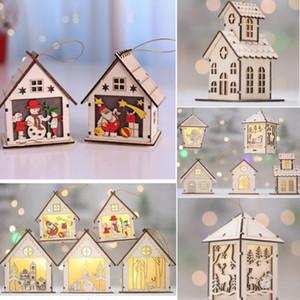 1pcs de Noël Cadeaux d'ornement de Noël Pendentif en bois Eglise Village Scène illuminée à DEL de Noël Hanging Bois Maison Décoration NOUVEAU