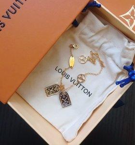 colares de grife para mulheres locket colares de jóias grátis melhor transporte a nova listagem 2020 Nova moda estilo moderno e elegante M98O