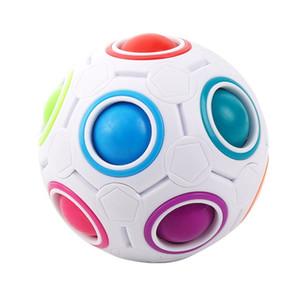Frete grátis alta qualidade Fun Fidget Toy Puzzle Cube 12 buracos Bola Rainbow Magic Luxury Designer Bola Estilo