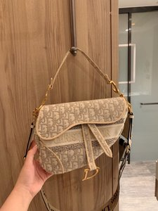 2020 HIGH QUALITY FASHION WOMEN HANDBAGS LADIES DESIGN SOLID COLOR ALPHABET EMBROIDERY BRACELET WALLET LEATHER CHAIN BAG CROSSBODY BAGS g291