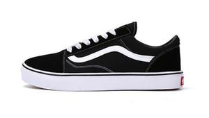 2019 hot new Chaussures De Toile Classique Blanc Noir Rouge Marque Sneakers Pour Femmes Hommes Low Cut Planche À Roulettes Baskets Casual