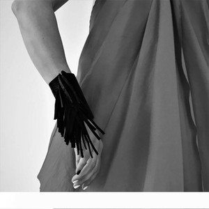 YD&YDBZ New Black Leather Bracelet Women Tassel Jewelry Punk Style Party Accessories Birthday Bracelets Can Wholesale