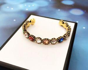 Europa e nos Estados Unidos de 2020 primavera e verão moda vendas quentes novo material de bronze personalizada pulseira de luxo banhado a ouro cor fresca conjunto
