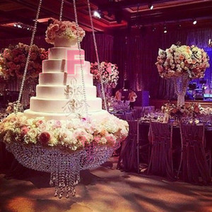 Support de gâteau De luxe suspendu support de gâteau Centres de mariage Perles de cristal acrylique pour la décoration de fête