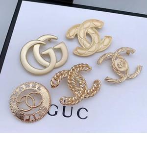Gioielli d'oro Spilla modo di marca di lusso del diamante di cristallo Spilla perla placcati Pin Spilla Donne Costume Decoration migliore qualità