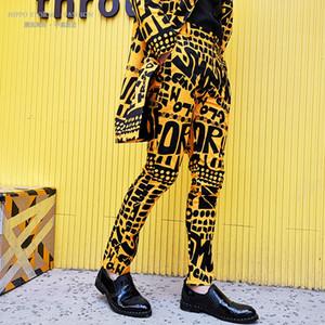 Mens mode jaune lettre floral costume costume pantalon hip hop discothèque scène chanteur dj pantalon décontracté chanteur usure de la scène