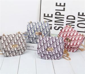 Los niños del diseñador bolsos 2020 más nuevo de la cadena de los bebés Mini Carta princesa Pruses encantador de la manera diseño de la moneda de los niños Bolsas de hombro regalos