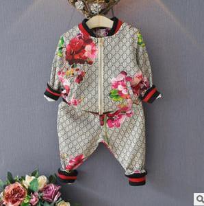 Bebek Desiger Giyim Setleri Bahar Sonbahar Erkek Kız Takım Elbise Çiçek ceket + Pantolon 2 Adet Setleri Çocuklar Elbise Rahat Bebek Kız Erkek Seti Kostüm