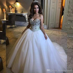 Luxury Puffy Ball Gown Wedding Dresses Beads Crystals Embellished Top Sweetheart Sleeveless Arabic Lace-up Back Bridal Gowns Sweep Train