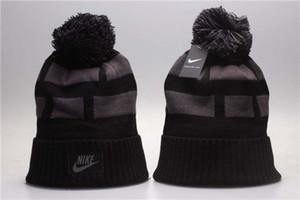 2019 de lujo de invierno Marca Beanie con letras para hombre para mujer del cráneo casquillos de la manera del capo diseñador caliente sombrero hecho caliente venta del sombrero de invierno