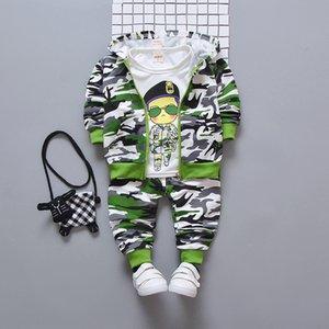 Conjuntos de ropa para niños primavera otoño niños algodón camuflaje dibujos animados 3 piezas abrigos con capucha + t-shits + pantalones trajes niños niños traje casual SH190912