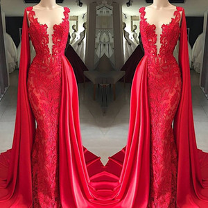 2019 New Fashion Sheer Neck Red Lace Mermaid Prom Dresses With Cape Senza maniche Appliqued Abiti formali Abiti da sera Lunghezza del pavimento Economici