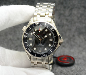 Free 42MM automatisch mechanische Außen Herren-Uhr-Uhr Schwarzes Zifferblatt mit Edelstahl-Armband Drehbare Lünette transparenten Fall-Rück
