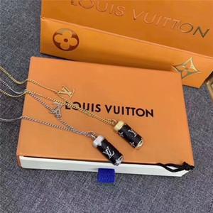 Paris luxurys collana designer ciondolo per la memorizzazione di bottiglie di profumo delle donne gioielleria collana titanio acciaio pendente collane catene regali