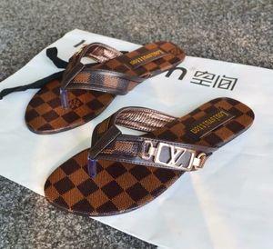 2019Women di Down sandali donne di lusso di fashion design scorrevole soffici ordinarie pantofole gialle pantofole di pelliccia