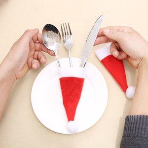 Titolare 10pcs di Natale posate non tessuto bottiglia di Red Hat Vino copertura Fork Knife da tavola Pocket decorazione di Natale del rifornimento del partito VT0582