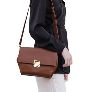 Designer Donne anziane borse di lusso Lady Temperamento borsa a spalla di nuovo stile trapezoidale Crossbody Bag Ufficio Worker