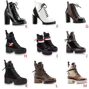 Ultimi stivali delle donne del progettista Martin Desert Boot fenicotteri Amore sulla medaglia 100% vera pelle dimensione grossolana scarpe US5-11 Inverno dimensioni 35-42