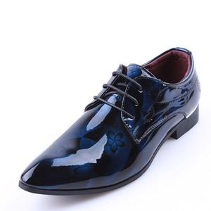 Cuero brillante de los hombres zapatos de vestir Marca Moda novio zapatos de boda Flores Imprimir punta estrecha ata para arriba los hombres de negocios 38-48