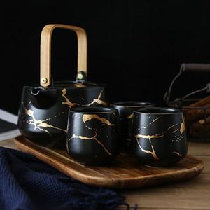 Japon Tarzı Altın Mermer Doku Porselen Çay Seti 1 Demlik ile 4 Çay Fincanı 1 Ahşap Tepsi Asya Çay Drinkware Mat Siyah Beyaz