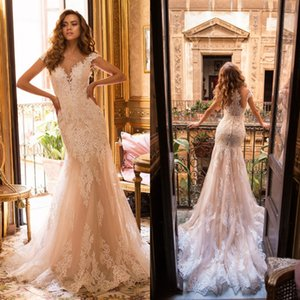 Botón Vestido con cuentas de lujo de Dubai Mermiad boda del casquillo del amor de la manga del vestido de boda Vestidos de novia apliques espalda de encaje de novia