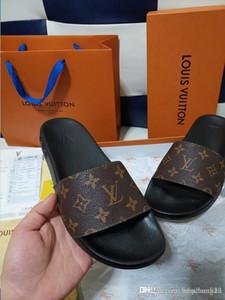 2020Designer Chinelos New r Luxo Slides Homens Verão Borracha Sandálias da praia Deslize Moda Scuffs indoor chinelos Sapatos Tamanho 35-45