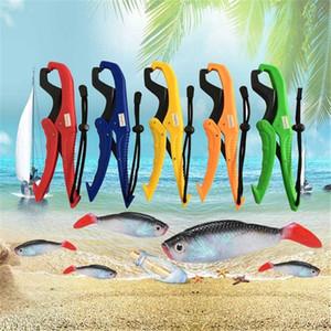 Plastik Balıkçılık Pense Tutucu El Kontrolörü Balık Vücut Tutma Kelepçe Grabber Aracı Balıkçılık Klip yq01165 Mücadele