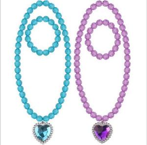 4 цвета Дети ожерелья наборов аксессуаров мульти бисера любовь сердце кулон ожерелье и браслет прелесть детям девушка акрилового подарок ювелирных изделий
