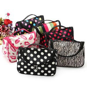 Kadın Kozmetik Çantaları Çiçek Baskılı Makyaj Çantası Seyahat Kozmetik Çanta 16 stilleri Çizgili Nokta Saklama Torbaları Makyaj Organizatör Vaka GGA2043