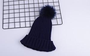 مصمم الأزياء الفاخرة الشتاء العلامة التجارية الرجال قبعة صغيرة النساء بونيه عارضة الحياكة الهيب هوب Gorros بوم بوم الجمجمة قبعات الشعر الكرة في الهواء الطلق