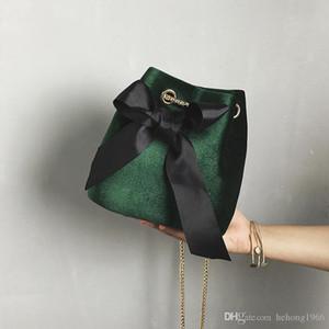 새로운 멀티 컬러 귀여운 활 던져진 버킷 여성 블랙 체인 메이크업 크로스 바디 백 벨벳 단일 어깨 가방 클래식 핸드백 15cx