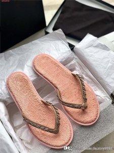 Primavera / verano 2020 nueva mezclilla de eslabones flip-flop damas elegantes metálicos cadena de punto flip-toe sandalias planas zapatillas con caja de zapatos originales