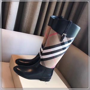 Sandalia última venta caliente mujeres de la marca de impresión de piel de piel llamativo estilo Gladiador diseñadores Tamaño perfecto Suela plana llanura de la sandalia 35-40
