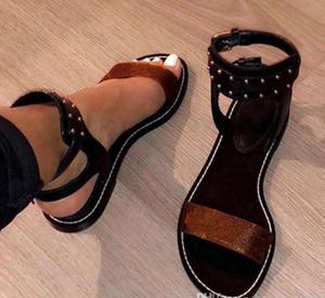 2018 Popular Verão de Luxo Senhoras de Lona estilo gladiador flats sapatos pretos de ouro studs mulheres nômade sandália Partido Sexy Fashion Ladies Shoes