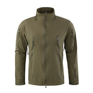 Outdoor-Sport Softshell Jacket Men Hunting Coats dünne Breathable Windjacke für das kampierende Wandern Kapuzenjacke