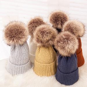 Moda Pom Poms cappello di inverno per le donne Ragazze comodi molli cappello di lana lavorato a maglia addensare Warm Berretti Cap Solid Outdoor Casual Cap VT0802