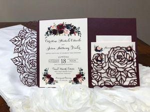 Hot Sale Plum Rose com três dobras laser Convites do casamento de corte de casamento elegante bolso Convidar Borgonha casamento Jackets convite com Belt