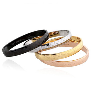 316L Titanium Classic Logo Cuff Bracelet European Hot Selling Fashion Couple Bracelet Electroplated 18K Gold Never Fade