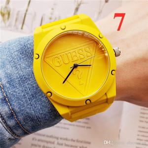 famoso marchio di svago di modo uomini e donne orologi sportivi orologi di marca di orologi di lusso firmati AAAsimple quarzo vigilanza dell'allievo di silicone cinturino