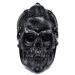 Alivio de la cara del cráneo 3D Mochila estilo de la roca del punk remache Mochila del espíritu maligno de Halloween de miedo la borla de verano paquete de ordenador Bolsa 2020