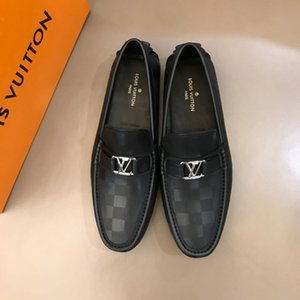 2020 High quality leather loafers loafers brand slide on men's metallic buckle leather flats with stylish ribbon for men's driving shoes R94