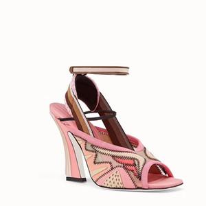 Home pattini dettaglio accessori sandali prodotto 2019 Chic design gladiatore sandali della donna a punta le dita dei piedi Air Mesh strano colore misto Parth