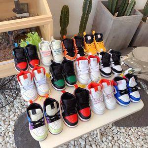 I neonati Sneakers 1 Mid Aurora Nero Verde Giallo Opti J I Mid Arancione Volt Chicago nero le dita dei piedi non corrispondente a tema Scarpe ricamo floreale per bambini