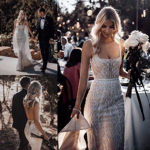 Berta vestidos de boda de la sirena de 2020 vestido de novia de encaje del cuello del cuadrado de las lentejuelas Beads Backless atractiva playa de Boho barrer de tren Vestidos de novia