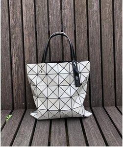 2019 Bao Bao модные сумки Лазерная геометрия ромбовидная форма ПВХ голографическая сумка Лоскутная женская сумка через плечо размер 34x34cm