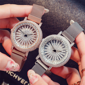 2020 New Crystal Bangle Bracelet Analog Quartz Wrist Watches Round Dial Diamonds Wristwatches for Women Fashion Gifts