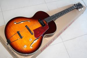 Sunburst chitarra elettrica di nuovo arrivo, modello della tigre impiallacciatura e tirare fuori Tremolo, Giada Bianca manopola e Dot Inlay, essere personalizzato