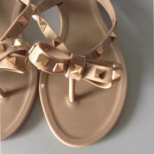 Горячая распродажа - большой европейский стиль, роскошная дизайнерская обувь, женские сандалии, тапочки, стринги, завязанные V-образным вырезом, резиновая подошва, декоративные подошвы